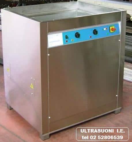 Lavatrice pezzi meccanici con generatore e trasduttore digitale