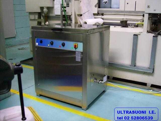 sgrassatura componenti in alluminio e titanio per motori