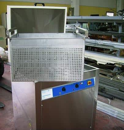 Lavatrici ad ultrasuoni da 2 a 350 litri serie A-AC digitalizzata